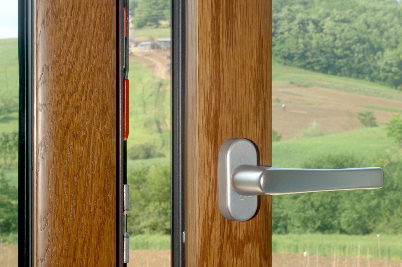 È stato creato per la Metal Tirrena S.r.l una web application per la creazione di preventivi nel campo della serramenti ed infissi.